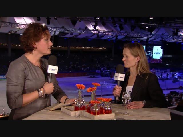 Charlotte Dekker aan tafel met Ine van Deurzen