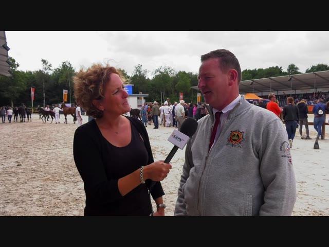 De afstammelingenkeuring: Hengstenhouder Reinie Tewis vertelt